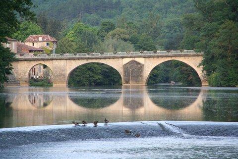 Pont de pierre sur l'Aveyron